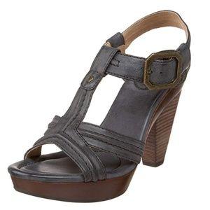 Frye Sage Trapunto Sandal heel